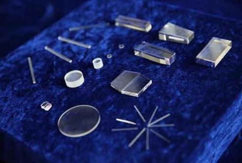 蓝宝石激光切割机对于制造业的市场潜力